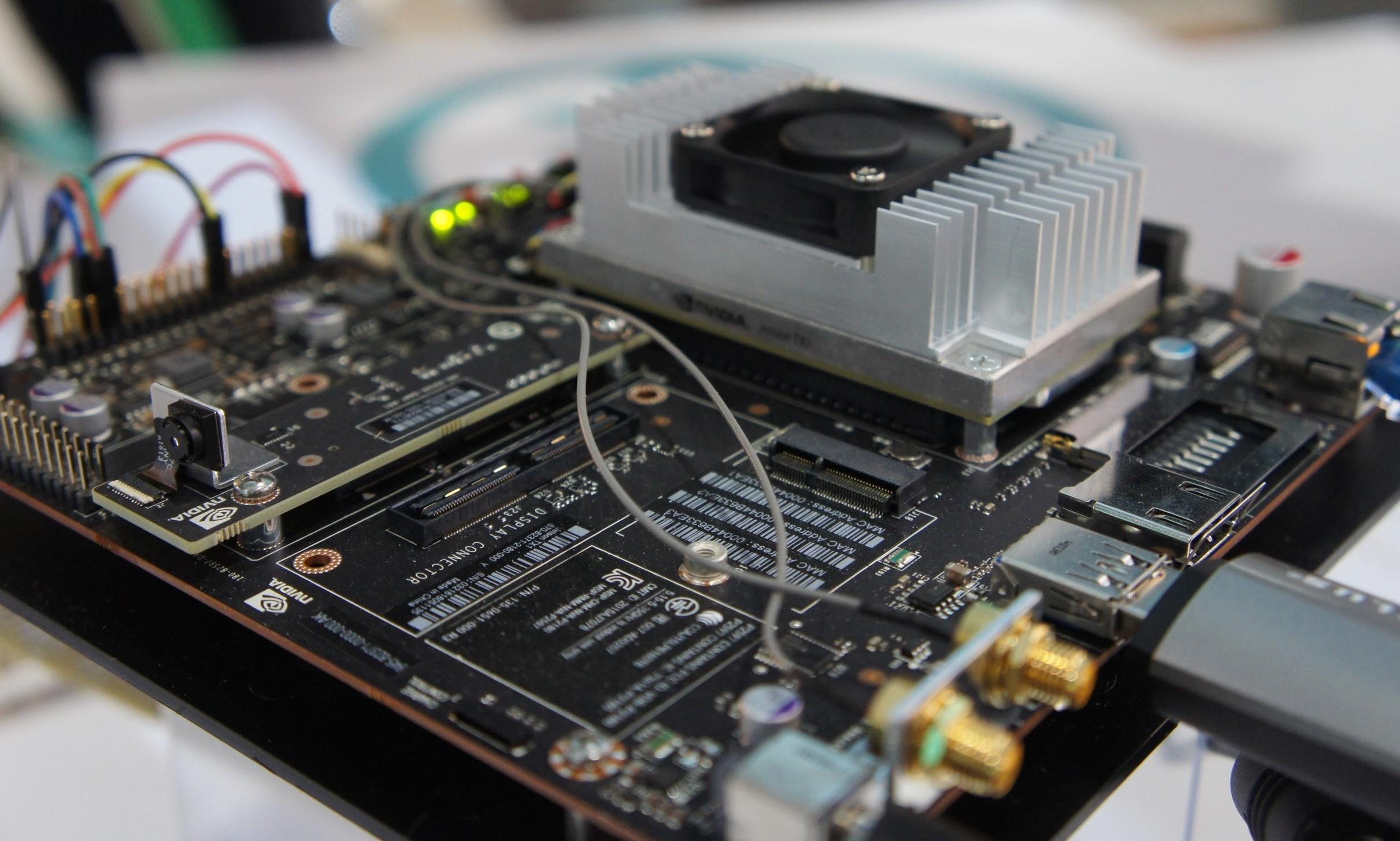 ソラコムと Preferred Networksが独ハノーバーで開催される「CeBIT2017」で機械学習技術をIoT機器の上で利用する「エッジヘビーコンピューティング」の共同デモを実施