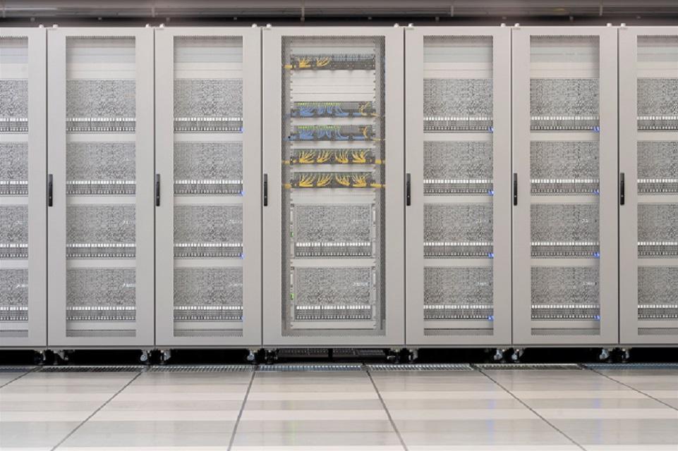 PFNの深層学習用スーパーコンピュータMN-3